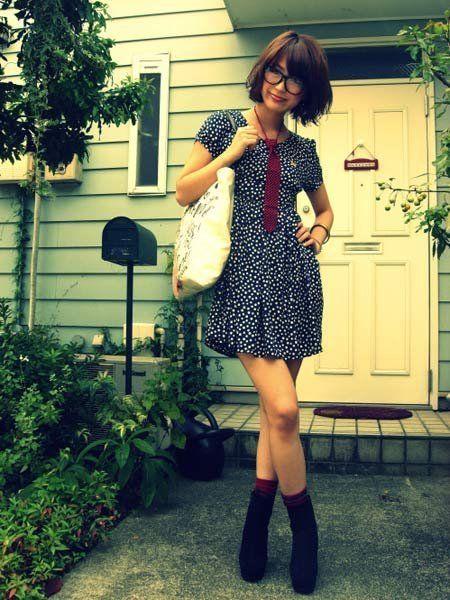 Clothing, Dress, Door, Human leg, Boot, Street fashion, Home door, Knee, Waist, Thigh,