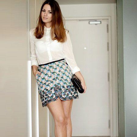 Clothing, Leg, Human leg, Sleeve, Shoulder, Textile, Joint, Waist, Style, Knee,