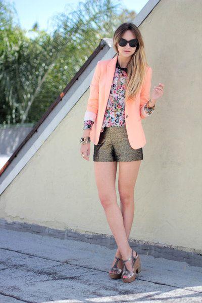 Clothing, Eyewear, Vision care, Glasses, Brown, Sunglasses, Shoulder, Textile, Outerwear, Human leg,