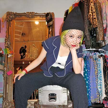 Textile, Floor, Flooring, Wood flooring, Laminate flooring, Market, Bag, Retail, Foot, Active pants,