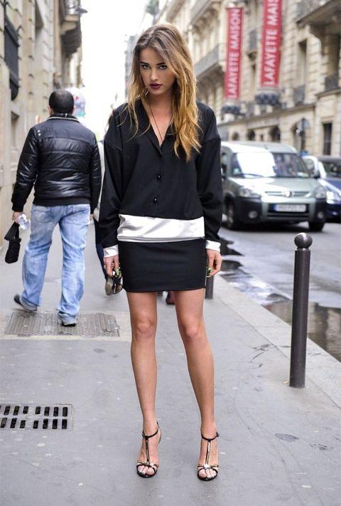 Clothing, Footwear, Leg, Human leg, Jeans, Outerwear, Street, Denim, Style, Street fashion,