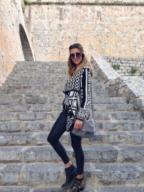 Clothing, Glasses, Sleeve, Shoulder, Outerwear, Sunglasses, Fashion accessory, Style, Street fashion, Beauty,