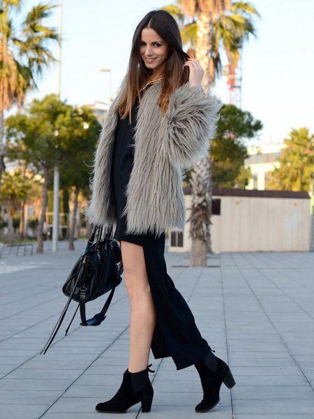 Clothing, Footwear, Textile, Joint, Outerwear, Human leg, High heels, Style, Street fashion, Fashion model,