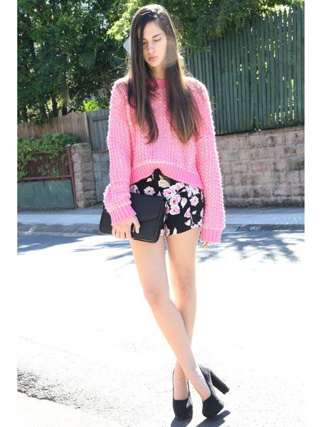 Clothing, Leg, Shoulder, Textile, Bag, Joint, Outerwear, Pink, Style, Street fashion,