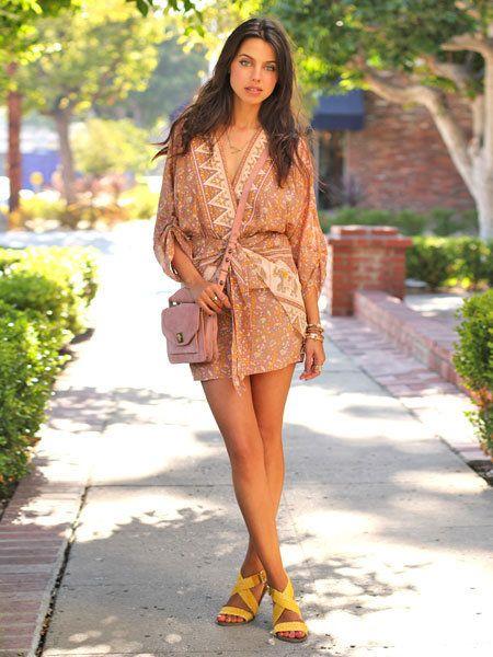 Clothing, Brown, Human leg, Style, Summer, Street fashion, Fashion model, Fashion, Beauty, Thigh,
