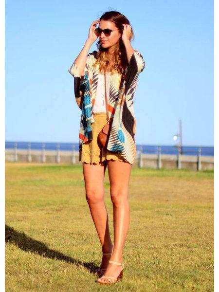 Clothing, Eyewear, Vision care, Sunglasses, Human leg, Summer, Style, Plain, Fashion model, Street fashion,