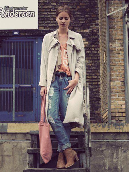 Clothing, Leg, Sleeve, Denim, Collar, Textile, Jeans, Outerwear, Bag, Style,