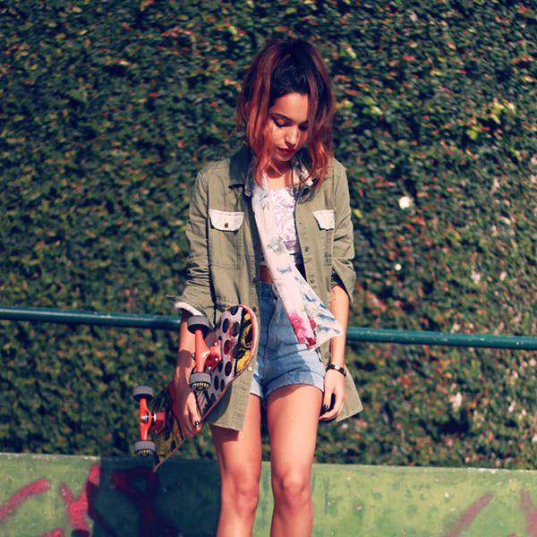 Clothing, Bag, Human leg, Outerwear, Style, Fashion accessory, Street fashion, Luggage and bags, Knee, Blazer,