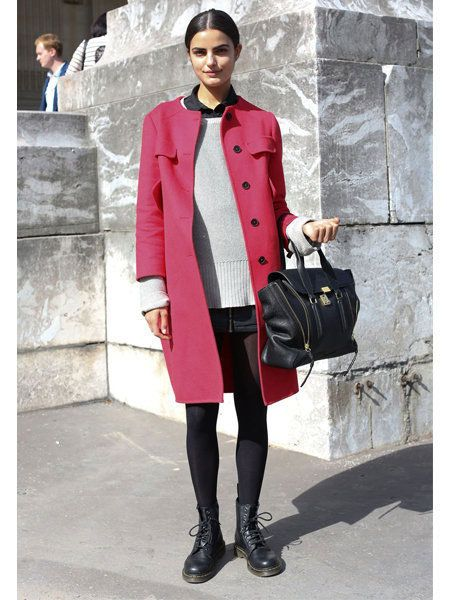 Sleeve, Textile, Bag, Outerwear, Collar, Style, Street fashion, Fashion accessory, Pattern, Luggage and bags,