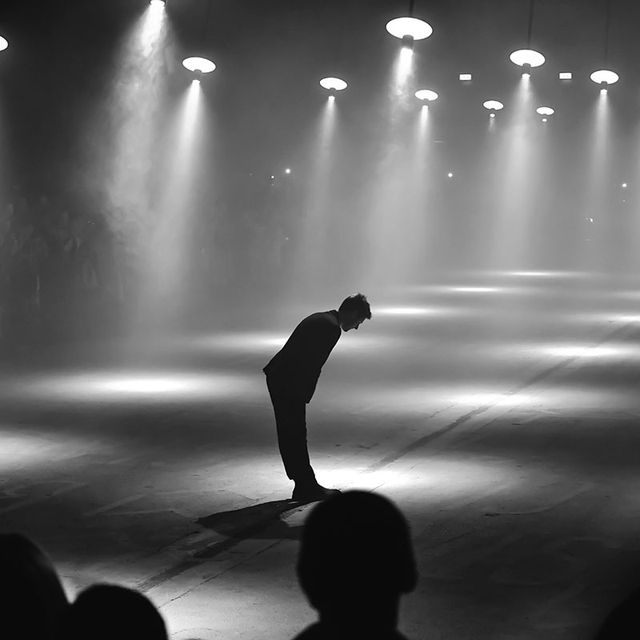 Black, Performance, Entertainment, Black-and-white, Light, Performing arts, Water, Stage, Performance art, Monochrome photography,