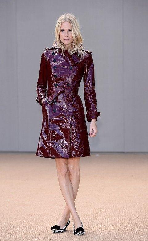 Clothing, Sleeve, Shoulder, Textile, Joint, Dress, Human leg, Style, Fashion model, Fashion show,