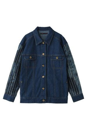 Clothing, Blue, Coat, Collar, Sleeve, Textile, Outerwear, White, Pattern, Dress shirt,