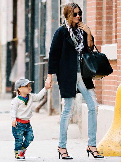 Clothing, Footwear, Leg, Trousers, Jeans, Textile, Denim, Photograph, Outerwear, Sunglasses,