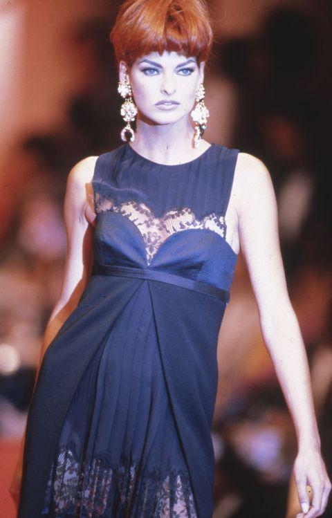 Fashion model, Hair, Fashion show, Fashion, Cobalt blue, Clothing, Hairstyle, Fashion design, Haute couture, Beauty,