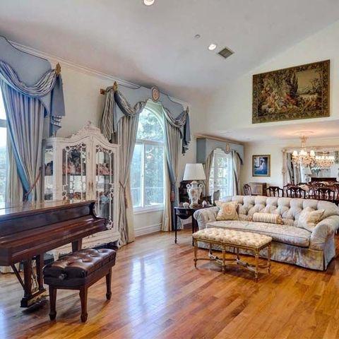 Room, Property, Ceiling, Furniture, Interior design, Floor, Living room, Wood flooring, Building, Hardwood,