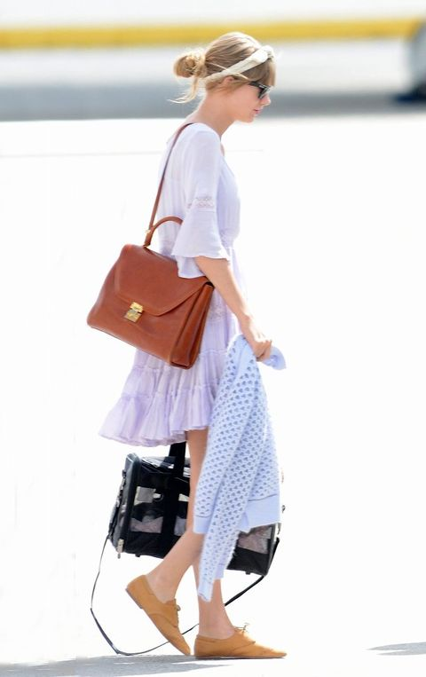 Clothing, Product, Bag, Textile, Outerwear, White, Style, Street fashion, Luggage and bags, Fashion accessory,