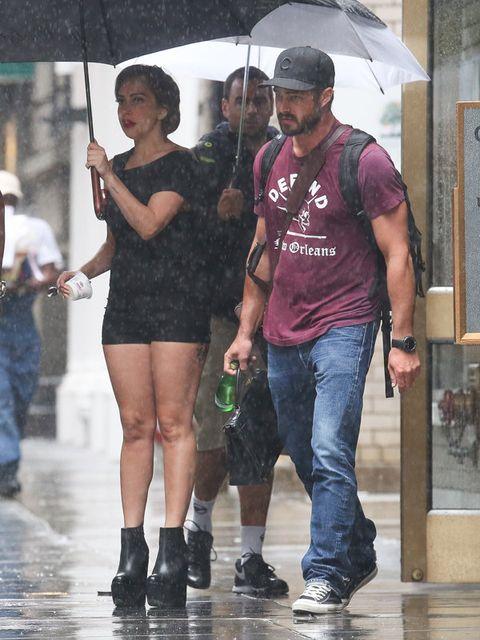 Clothing, Footwear, Leg, Trousers, Jeans, Shirt, Outerwear, T-shirt, Denim, Street fashion,