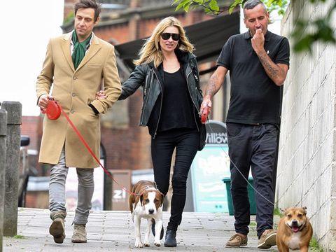 Human, Leg, Dog breed, Vertebrate, Dog, Carnivore, Trousers, Coat, Outerwear, Jacket,