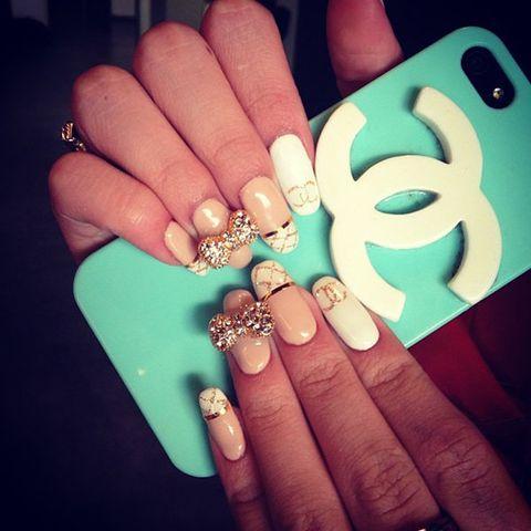 Blue, Finger, Skin, Nail, Teal, Nail care, Style, Jewellery, Turquoise, Aqua,