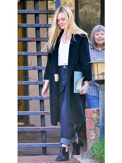 Outerwear, Style, Collar, Street fashion, Jacket, Scarf, Blond, Bag, Electric blue, Long hair,