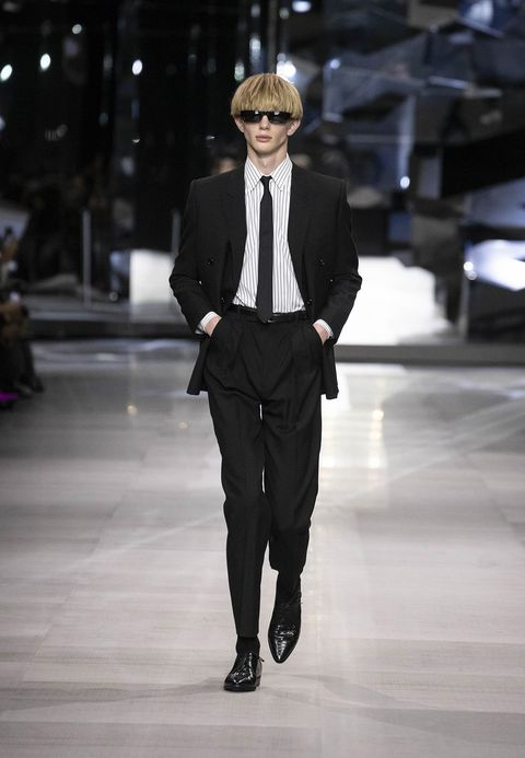 Fashion, Fashion model, Suit, Runway, Fashion show, Clothing, Formal wear, Blazer, Human, Outerwear,