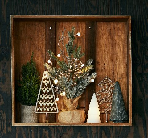 Wood, Twig, Christmas decoration, Interior design, Hardwood, Wood stain, Still life photography, Christmas, Natural material, Pine family,