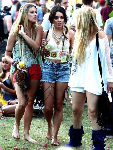 Clothing, People, Denim, Crowd, Summer, jean short, Street, Thigh, Street fashion, Shorts,