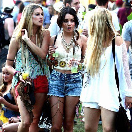 Clothing, People, Denim, Crowd, Summer, jean short, Street, Shorts, Street fashion, Thigh,