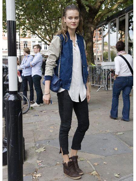 Clothing, Footwear, Leg, Trousers, Denim, Textile, Outerwear, Jeans, Style, Street fashion,