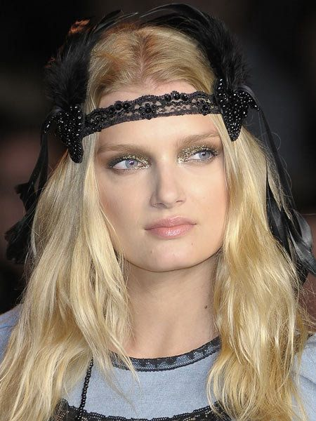 Hair, Lip, Hairstyle, Forehead, Eyebrow, Eyelash, Style, Headgear, Beauty, Fashion,