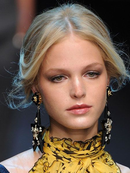 Face, Nose, Lip, Eye, Hairstyle, Earrings, Chin, Forehead, Eyebrow, Eyelash,