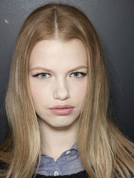 Lip, Cheek, Hairstyle, Chin, Forehead, Eyebrow, Eyelash, Collar, Jaw, Iris,