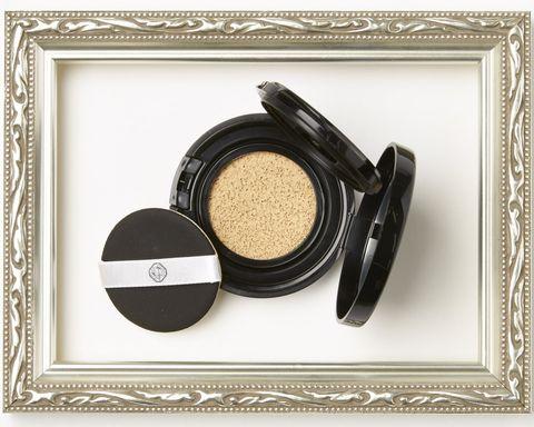 Cosmetics, Product, Eye, Eye shadow, Beige, Eye liner,