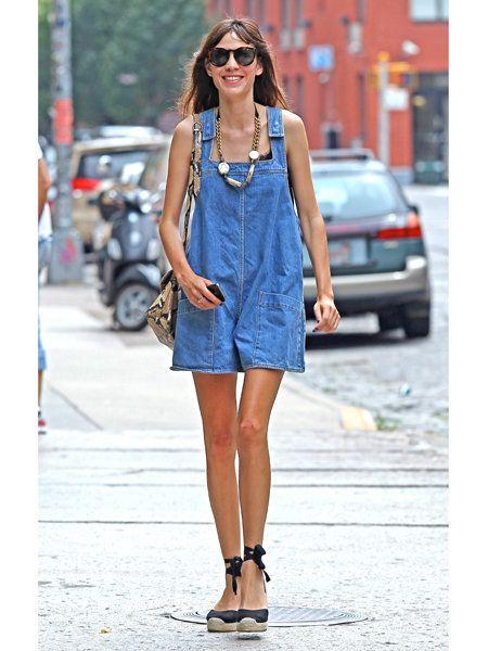 Clothing, Eyewear, Sunglasses, Dress, Fashion accessory, Style, Street fashion, Bag, Street, Goggles,