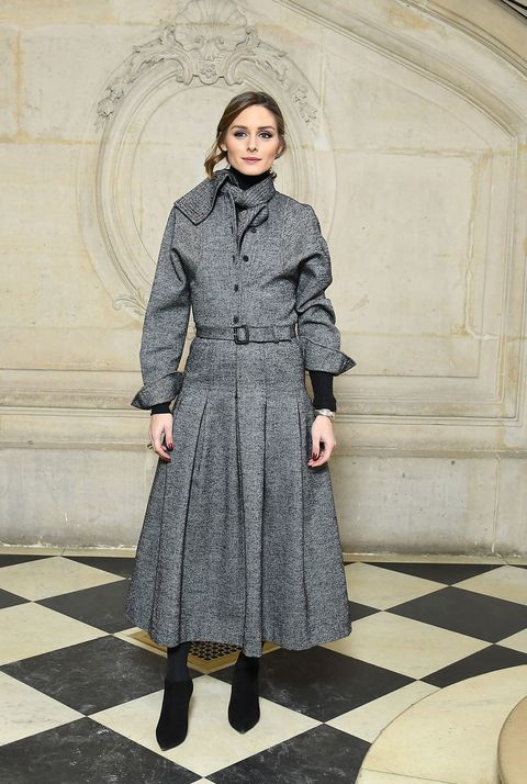 Clothing, Coat, Overcoat, Trench coat, Fashion, Outerwear, Dress, Standing, Street fashion, Footwear,