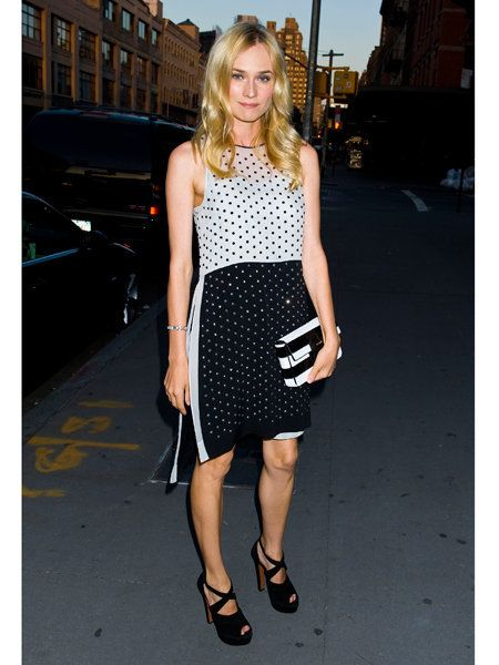 Clothing, Brown, Shoulder, Photograph, Joint, Human leg, Style, Street fashion, Pattern, Collar,