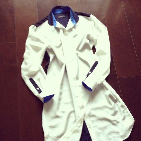 Collar, Sleeve, Dress shirt, Outerwear, Uniform, Coat, Fashion, Blazer, Space, Button,