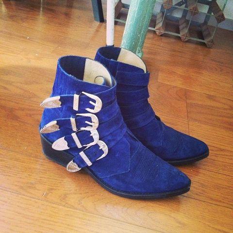Wood, Blue, Hardwood, Flooring, Floor, Wood flooring, Costume accessory, Wood stain, Laminate flooring, Electric blue,