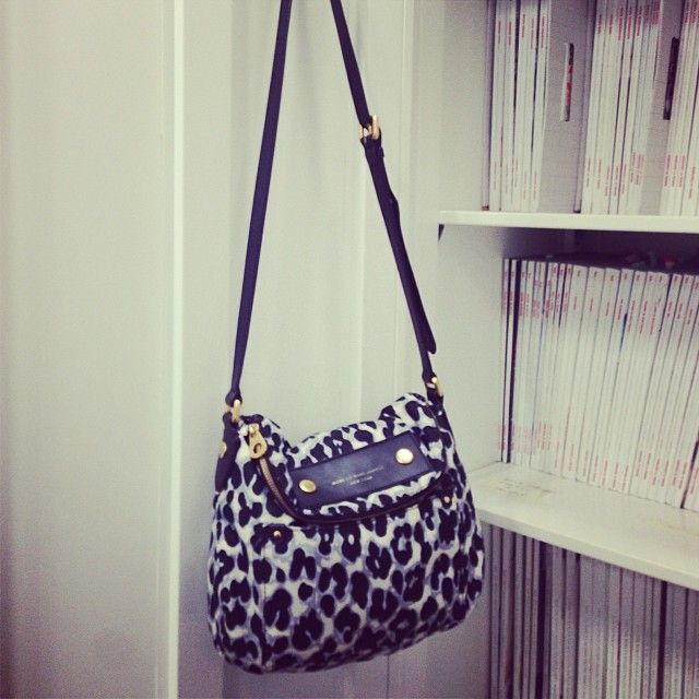 Product, Bag, White, Fashion accessory, Style, Pattern, Luggage and bags, Shoulder bag, Beauty, Fashion,