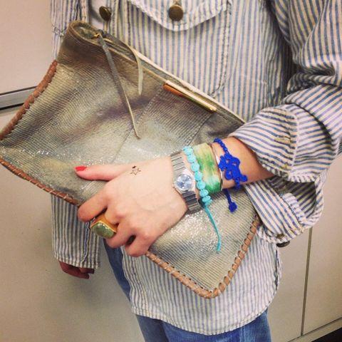 Textile, Bag, Denim, Wrist, Style, Collar, Pattern, Bracelet, Street fashion, Fashion accessory,