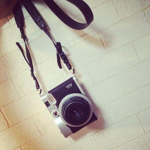 Cameras & optics, Film camera, Iron, Metal, Circle, Camera lens, Camera accessory, Lens, Shadow, Hardware accessory,