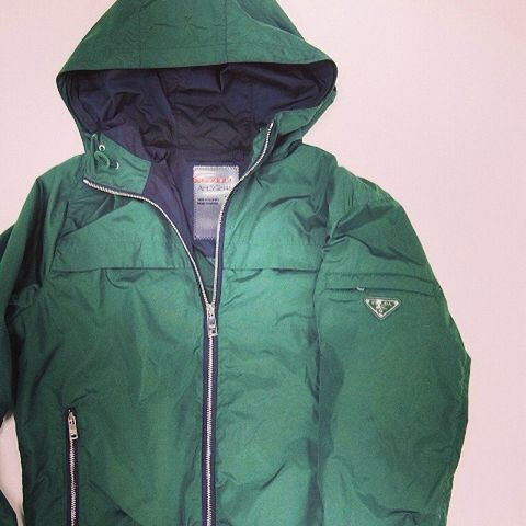 Green, Product, Jacket, Sleeve, Textile, Outerwear, Collar, Fashion, Black, Zipper,