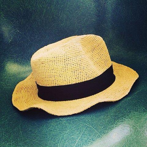 Hat, Headgear, Costume accessory, Costume hat, Beige, Fedora, Costume, Bonnet, Sun hat,