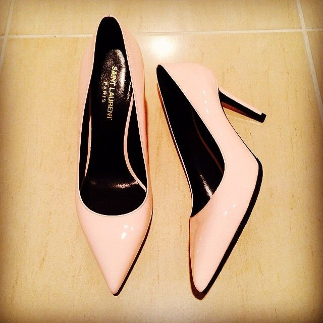 Tan, Beige, Dancing shoe, Ballet flat, Dress shoe, Still life photography, Collection,