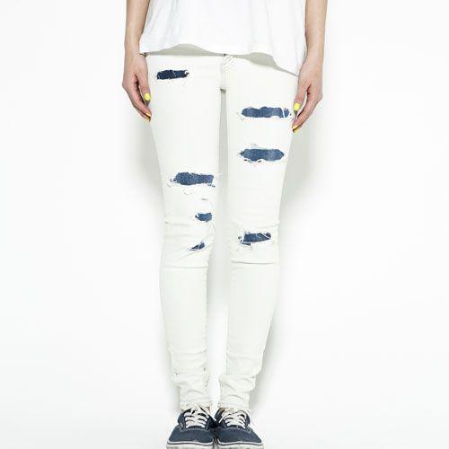 Textile, Joint, White, Waist, Style, Fashion, Knee, Pocket, Active pants, Street fashion,