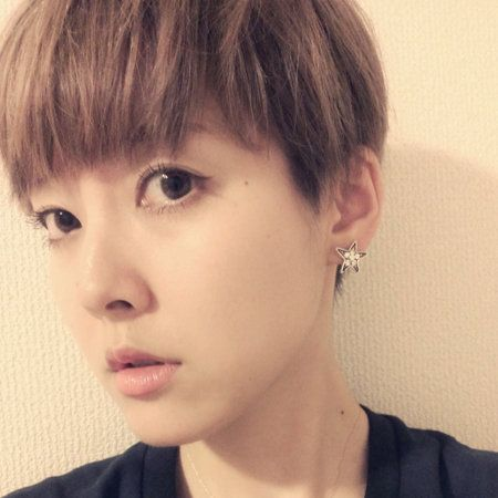 Ear, Lip, Cheek, Earrings, Hairstyle, Skin, Chin, Forehead, Eyebrow, Eyelash,
