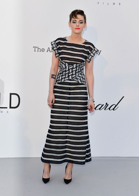 Fashion model, Clothing, White, Dress, Day dress, Shoulder, Fashion, Black-and-white, Waist, Sleeve,