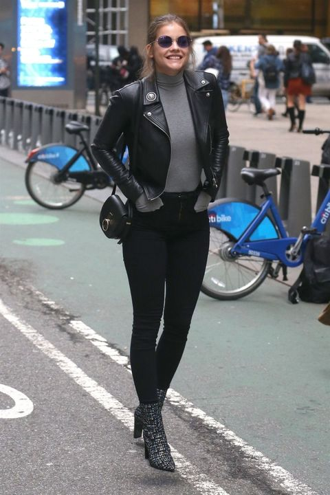 Cobalt blue, Clothing, Street fashion, Electric blue, Snapshot, Fashion, Tights, Jacket, Leggings, Footwear,