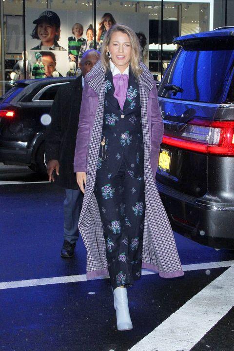Street fashion, Clothing, Fashion, Luxury vehicle, Snapshot, Outerwear, Footwear, Dress, Car, Vehicle,