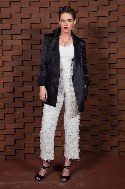 Clothing, Fashion, Fashion model, Outerwear, Suit, Blazer, Jacket, Pantsuit, Fashion show, Coat,